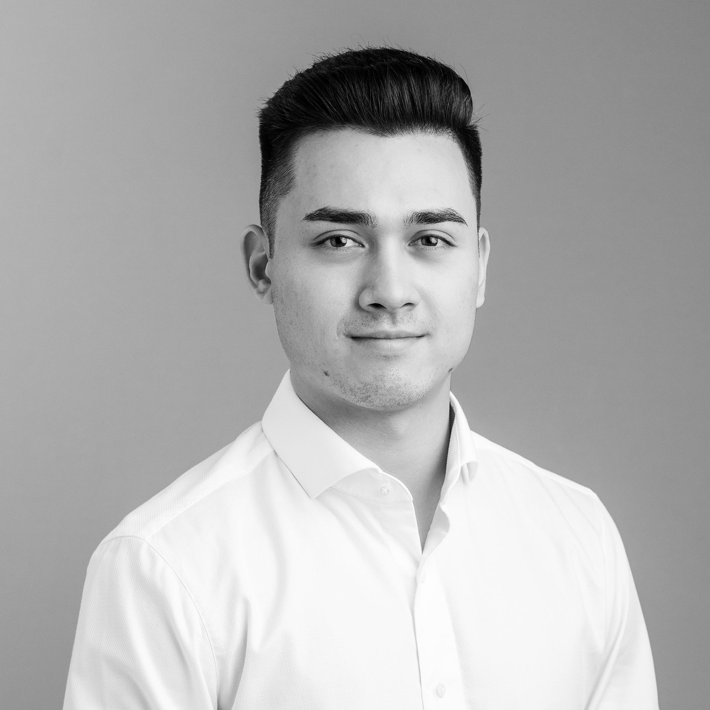 Landon Bahrey - Investment Analyst